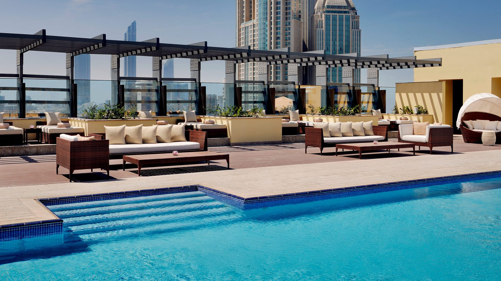 Southern sun abu dhabi hotel business district - Hotels in abu dhabi with swimming pool ...