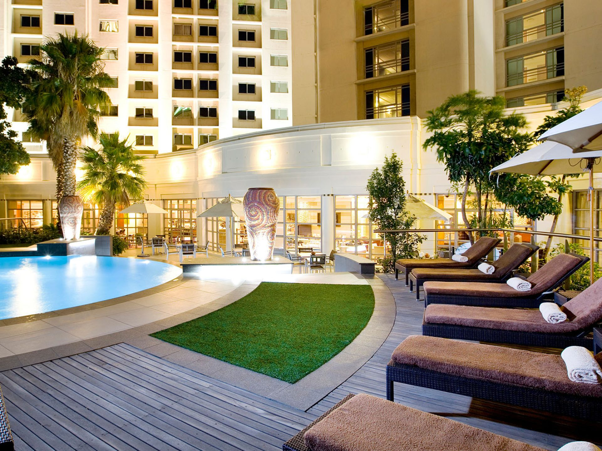 Pool area at the Hotel Southern Sun Waterfront