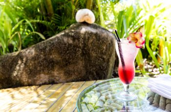 MAIA Luxury Resort and Spa Seychelles - Pool Bar