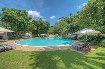 Southern Sun Ridgeway Lusaka pool and garden