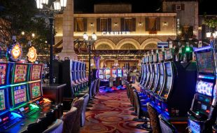 Casino floor at Montecasino